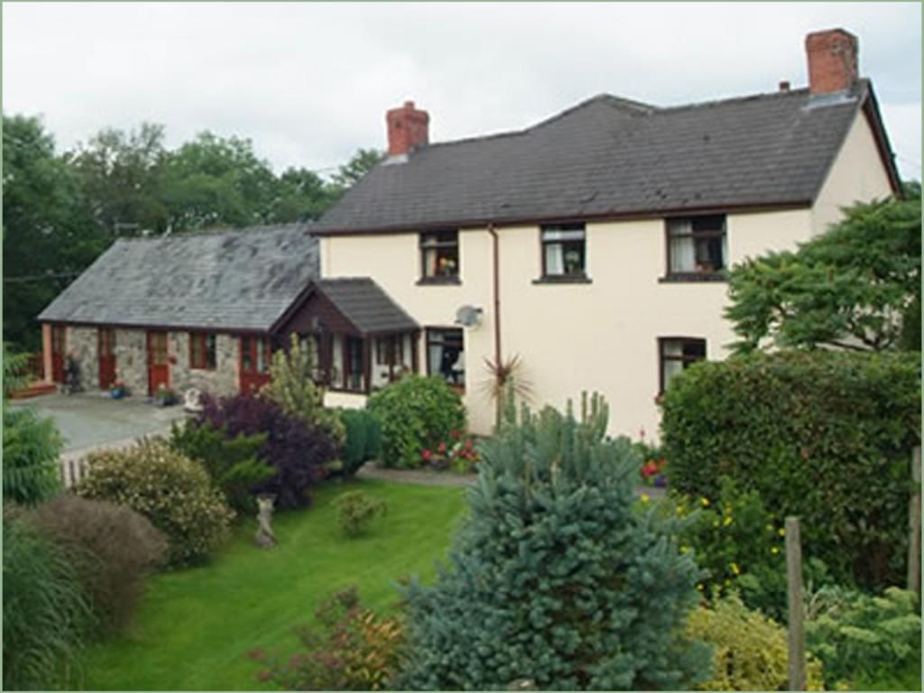 Trecoed-farm-house